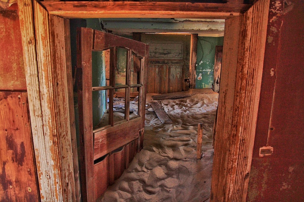 Namibia Ultimate Self Driving Guide, Kolmanskop Ghost Town, Luderitz, Namibia