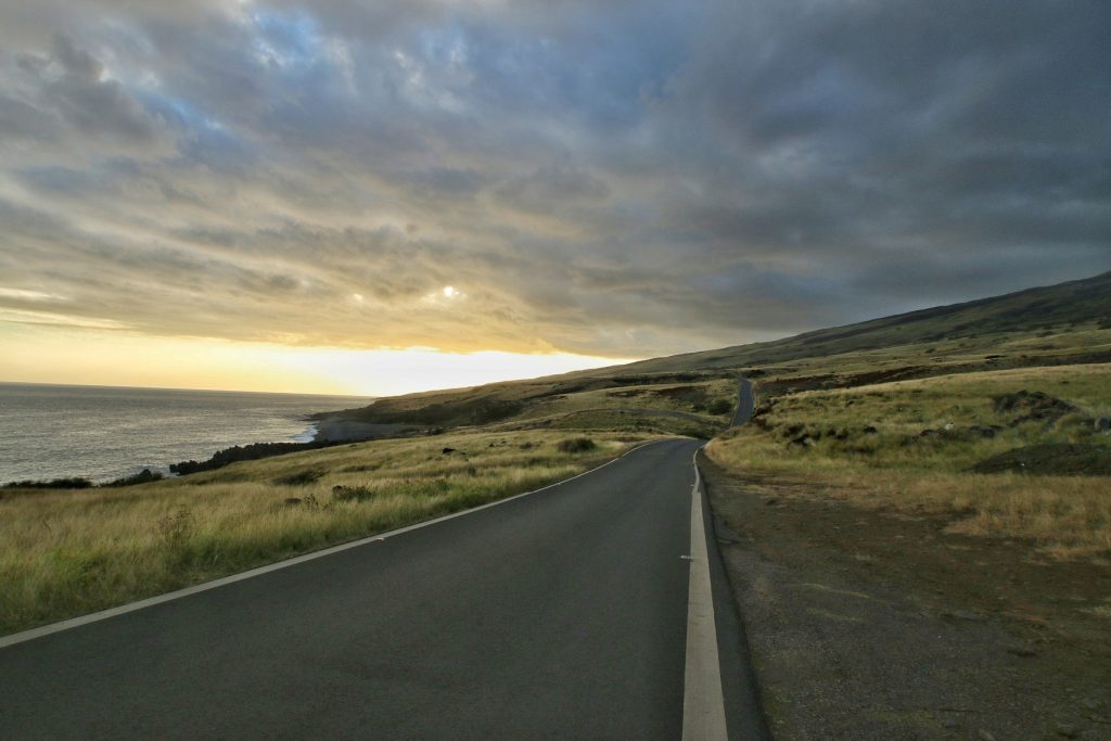 Piilani Highwayvista at sunset with nice clouds