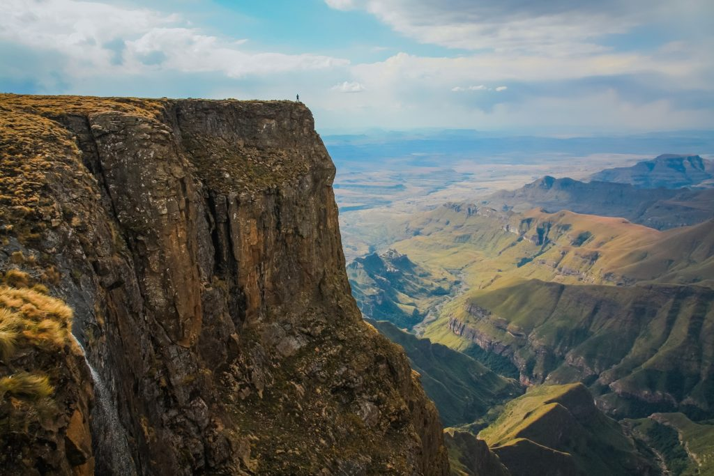 Drakensberg Mountains Guide, Hiking, Blog, South Africa, check out more at www.beardandcurly.com