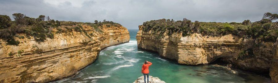 14 Best Highlights on the Great Ocean Road, The Perfect 1 Week Road Trip: Great Ocean Road, Kennett River, Beauchamp Falls, Hopetoun Falls, Princetown, 12 Apostles, Gog and Magog, The Arch, Worm Bay, London Bridge, London Arch, Loch Ard Gorge, Razorback, Great Ocean Road: The Ultimate Road Trip, Great Ocean Road Trip, Best Stops on the Great Ocean Road, Great Ocean Road Attractions, Great Ocean Road Must Stops, check out more at www.beardandcurly.com