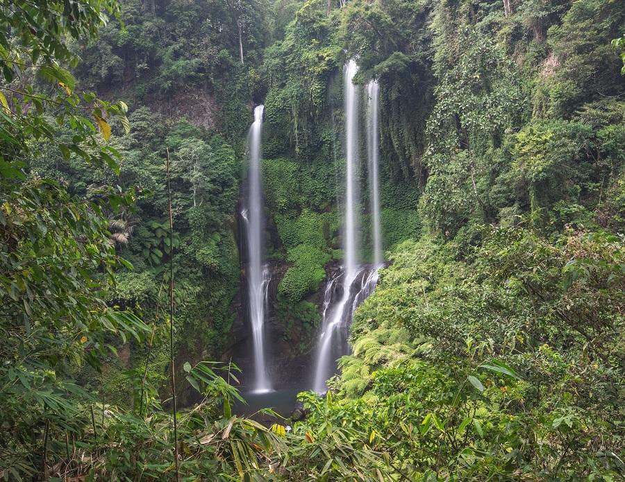 Best waterfalls in Bali, Top 10 Waterfalls in Bali, Most instagrammable waterfalls in Bali, Don't miss these waterfalls in Bali, Tibumana, Kanto Lampo, Tegenungan, Tukad Cepung, Nungnung, Banyumala, Gitgit, Sekumpul, Aling Aling, Munduk, www.beardandcurly.com